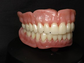 Custom Cosmetic Dentures